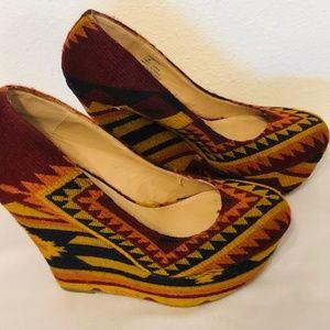 Steve Madden PAMMY Multi Colored Aztec Fabric Heel